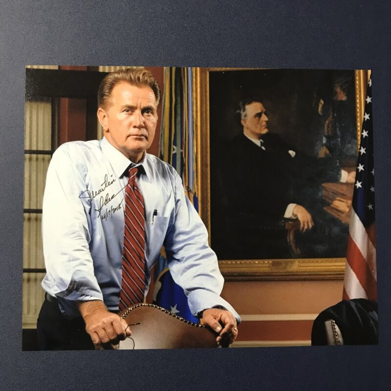 MARTIN SHEEN SIGNED 8x10 PHOTO ACTOR AUTOGRAPHED THE WEST WING TV STAR RARE COA