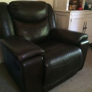 Leather recliner lounge chair Castlemaine Mount Alexander Area Preview