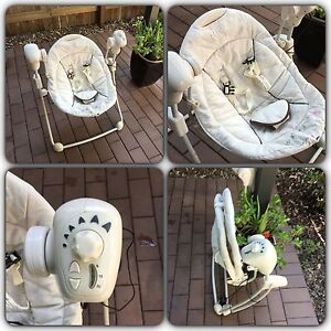 Baby items for sale: swing, baby carrier, bath etc.. Underwood Logan Area Preview