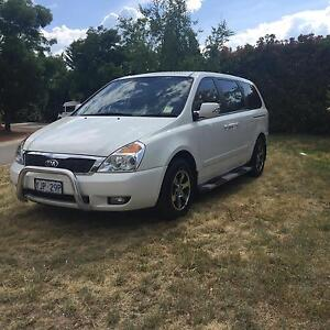Urgent Kia grand carnival 2013 8 seats Isaacs Woden Valley Preview