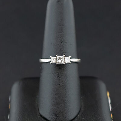(Pa2) 18CT White Gold 'I Love You' Diamond Trilogy Ring 2.9grams (1005678-1-A)