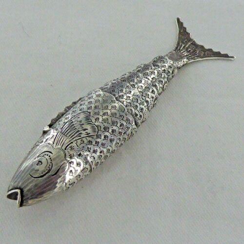 A RARE ANTIQUE STERLING SILVER ARTICULATED FISH VINIAGRETTE  BIRMINGHAM 1817.