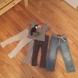 Clothing 12m and 2T - 5 pieces/5$