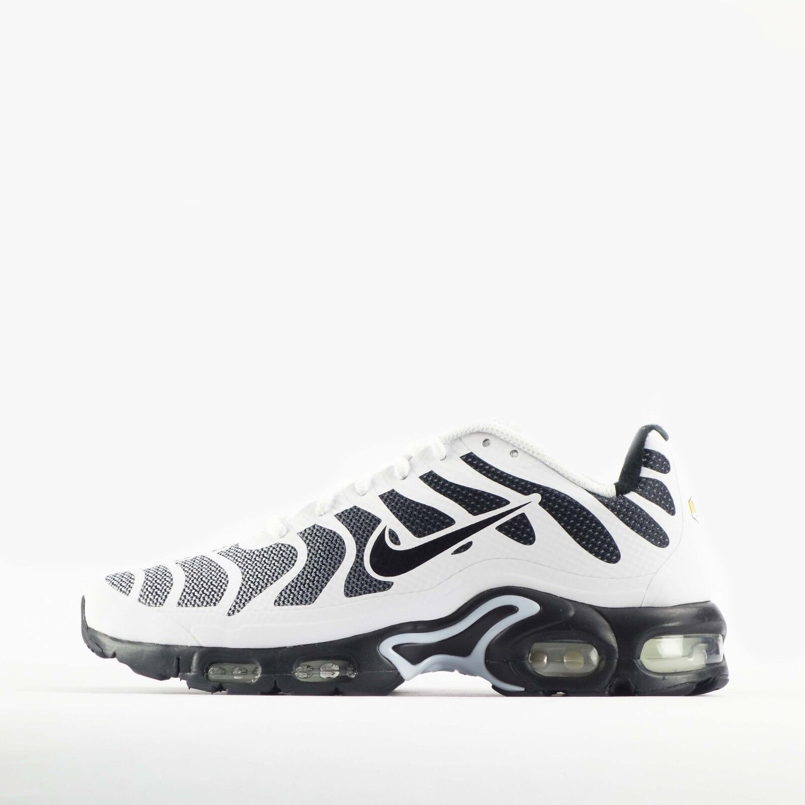 a210753933 Nike Air Max Plus Tuned TN Hyperfuse Mens Trainers Shoes White/Black ...