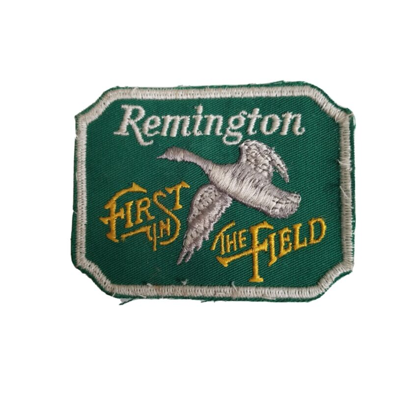 """REMINGTON FIRST IN THE FIELD """" PATCH Green Pheasant VTG PR"""