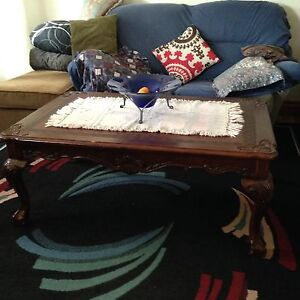 Selling large hand carved coffee table modern/old design