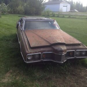PARTING OUT 1970 Thunderbird