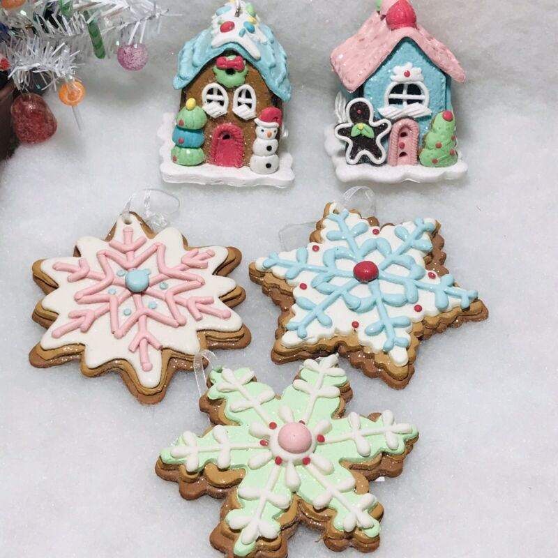 Pastel Gingerbread House, Snowflake Cookie Christmas Tree Ornaments Set / 5