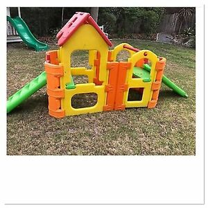 Outdoor play gym with sprinkler attachment Alexandra Hills Redland Area Preview