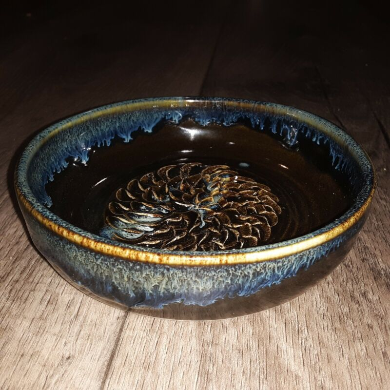 """Grater Dish Healing Touch Pottery Handcrafted Garlic Ginger 5"""" made in USA Blue"""
