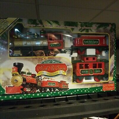 2007 Battery Operated NORTH POLE EXPRESS Christmas Train Set