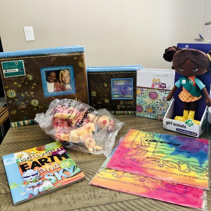 NEW Lot Of 8 Pcs Girl Scouts Brownies Scrapbook Photo Album Journal Rewards Doll