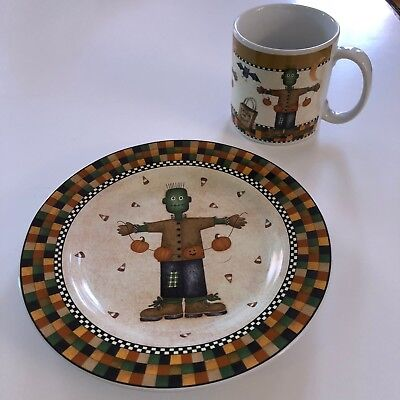 SAKURA HALLOWEEN PLATE AND CUP - DEBBIE MUMM 1998   FRANKENSTEIN  DESIGN - Halloween Plates And Cups