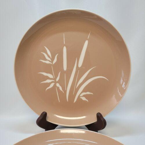 "Vintage Harkerware 10"" Dinner Plates Set of 2  Cat Tails Everglades Pattern"