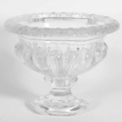 Versailles Urn (Glass floristry urn Versailles Vintage style Table display round bulbous 19.8cm)