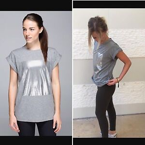 Lululemon Roll with it Tee Size 4