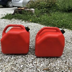 Bidons d'essence 20L (5gallons) x2 gas can