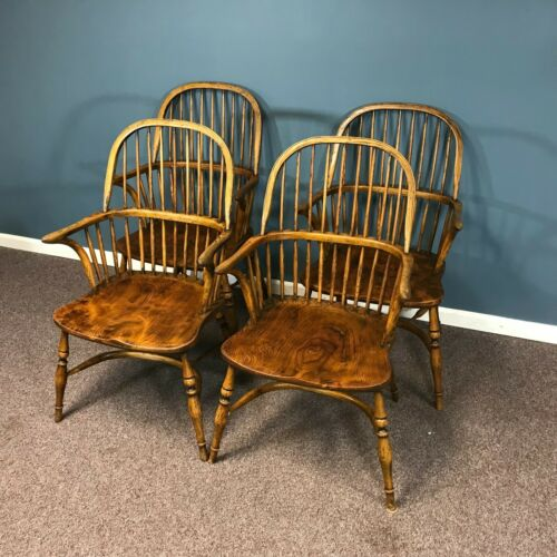 Set of 4 English Elm Windsor Armchairs