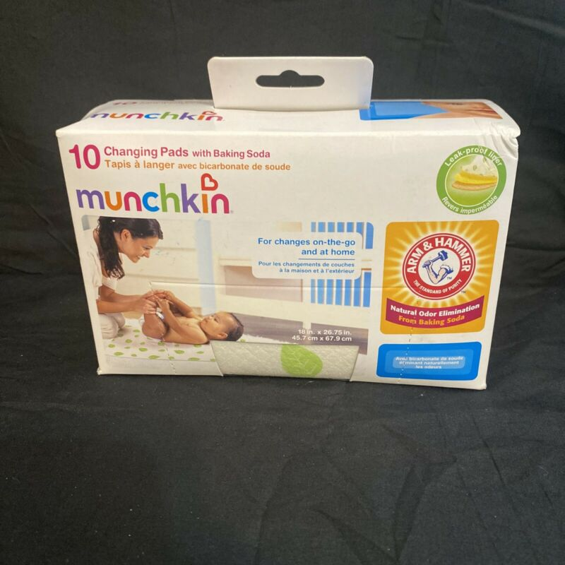 Munchkin Arm and Hammer 10 Changing Pads w/ Baking Soda