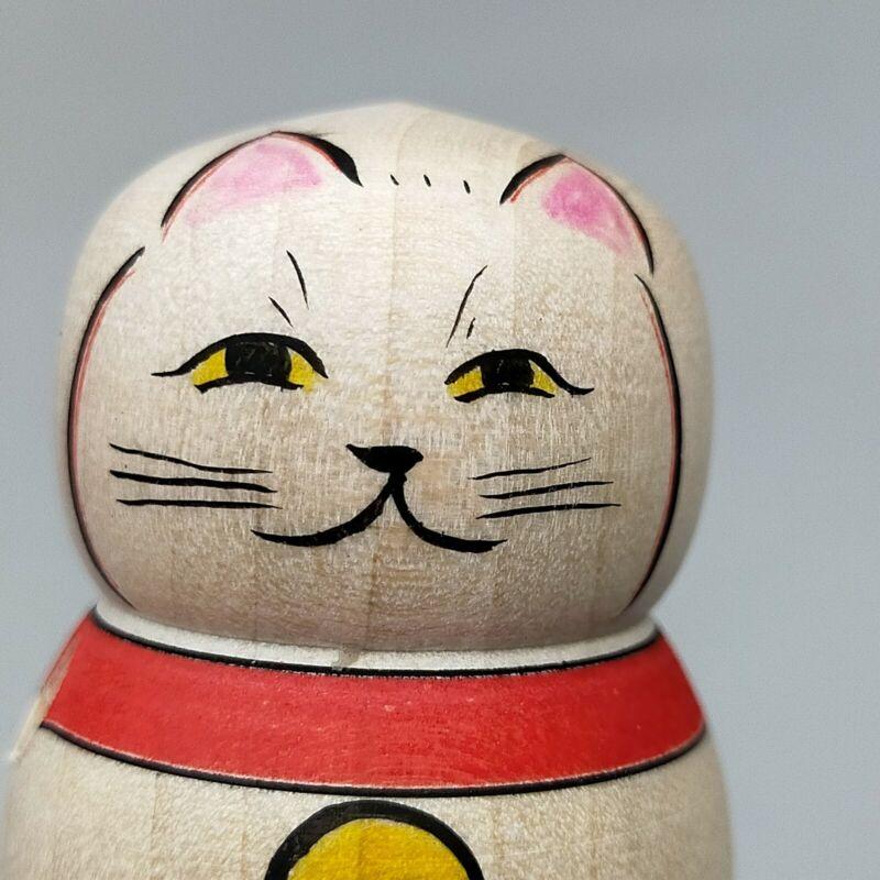 Japanese wooden  Edo top, Maneki neko,Lucky cat、Cat kokeshi koma, Maeda Ryoji