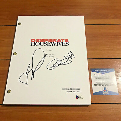 DESPERATE HOUSEWIVES SIGNED PILOT SCRIPT BY FELICITY HUFFMAN EVA LOGORIA BAS COA