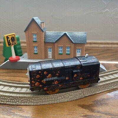 Thomas & Friends Trackmaster Motorized Tunnel Blast Diesel Train Engine 2013