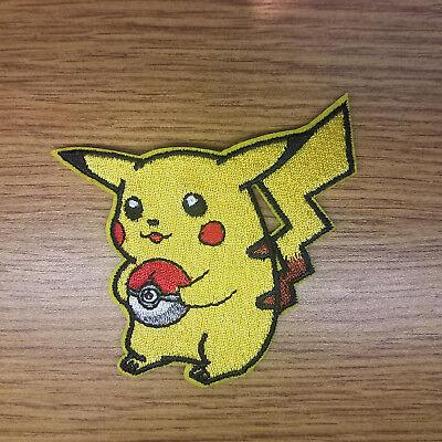Pokemon Pikachu Mit Ball Bestickt Aufnäher 7.6cm Hoch