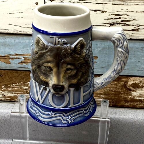 Avon Fine Collectibles The Gray Wolf Tom O