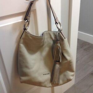 Michael Kors Hobo pebbled leather bag