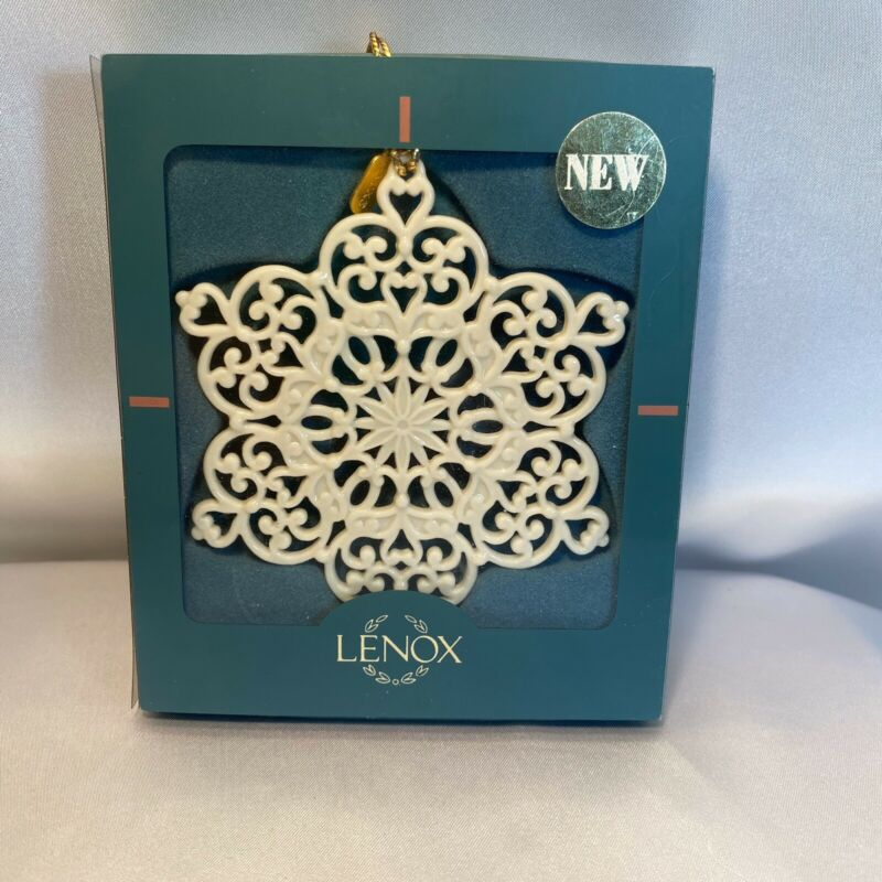LENOX 1998 Snow Fantasies Snowflake Ornament Fine China Excellent Condition