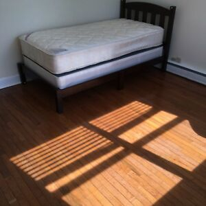 room for rent- 5 mins walk to university