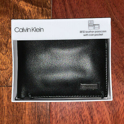 Calvin Klein Wallet Black Smooth Leather Bifold with Coin Pocket RFID Gift Set