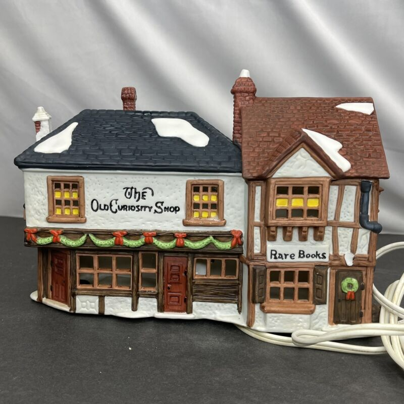 1987 Department 56 Dickens Christmas Village Lighted Old Curiosity Shop