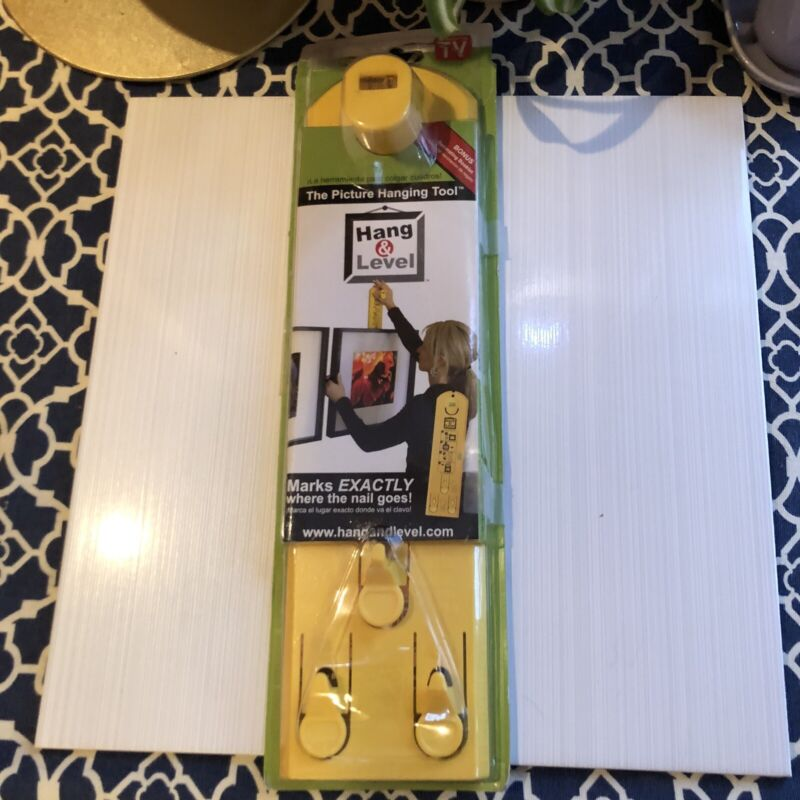 Picture Hanging Tool Under The Roof Decorating Hang And Level Pre-Owned
