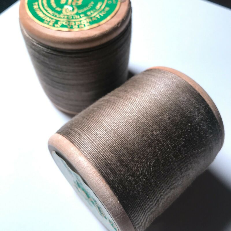 Consolidated Irelin #18 Linen Carpet Thread Spool Khaki GreenINDIVIDUALLY SOLD