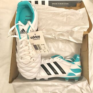 Adidas soccer boots brand new womens football