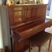 Piano and stool Mount Riverview Blue Mountains Preview