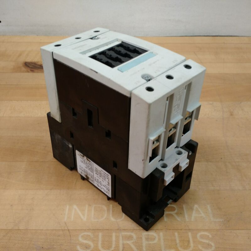 Seimens 3RT1044-1AK60 Contactor, 65 Amp, 3 Pole, 120V, 60Hz - USED