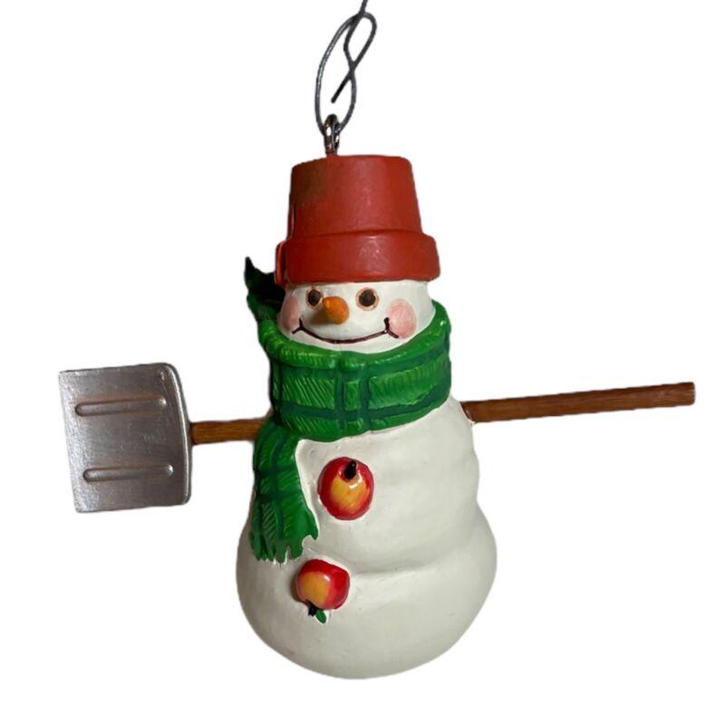 Hallmark Keepsake Ornament Jan Karon Max the Snowmen of Mitford 2000 Shovel