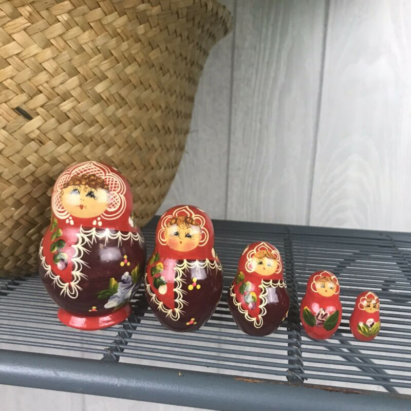 Red Nesting Dolls Floral Pattern Hand Painted Russian Doll Matryoshkas 5 Piece
