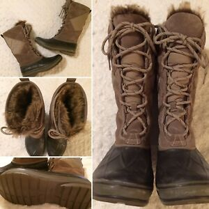 Clarks Womens Wintry Hi Winter Boots | Size 8