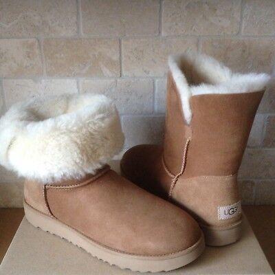 (UGG Classic Cuff Short Chestnut Suede Sheepskin Boots Size US 8.5 Womens NIB)