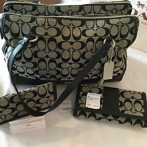 COACH PURSE AND MATCHING WALLET (Will NOT break up set!)