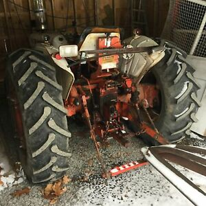 1976 Case Tractor. Model 885. Includes Older Snowblower