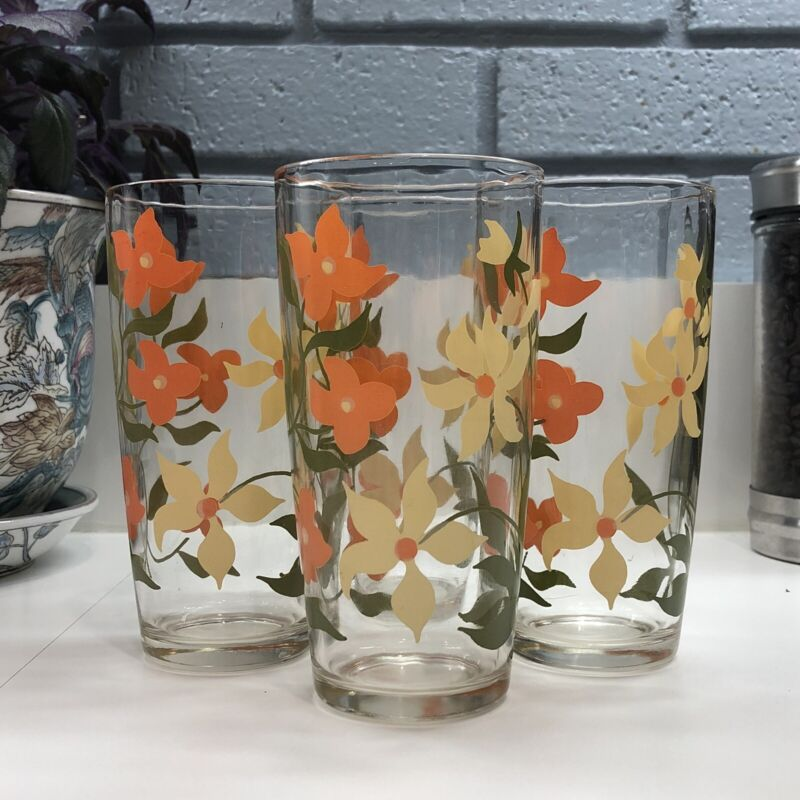 Set of 4 Vintage Tumblers Drinking Glasses Floral Flowers