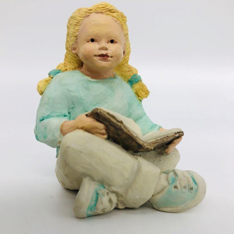 Daze Mortensen Decoratiive Sculpture Applause Child Reading  #39708 Collectible