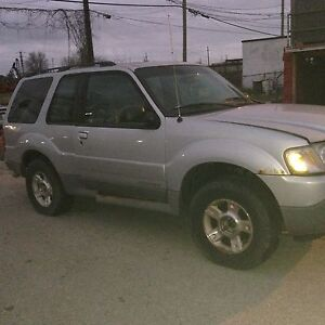 Ford Explorer 4.0LT 4X4 for parts Windsor Region Ontario image 2