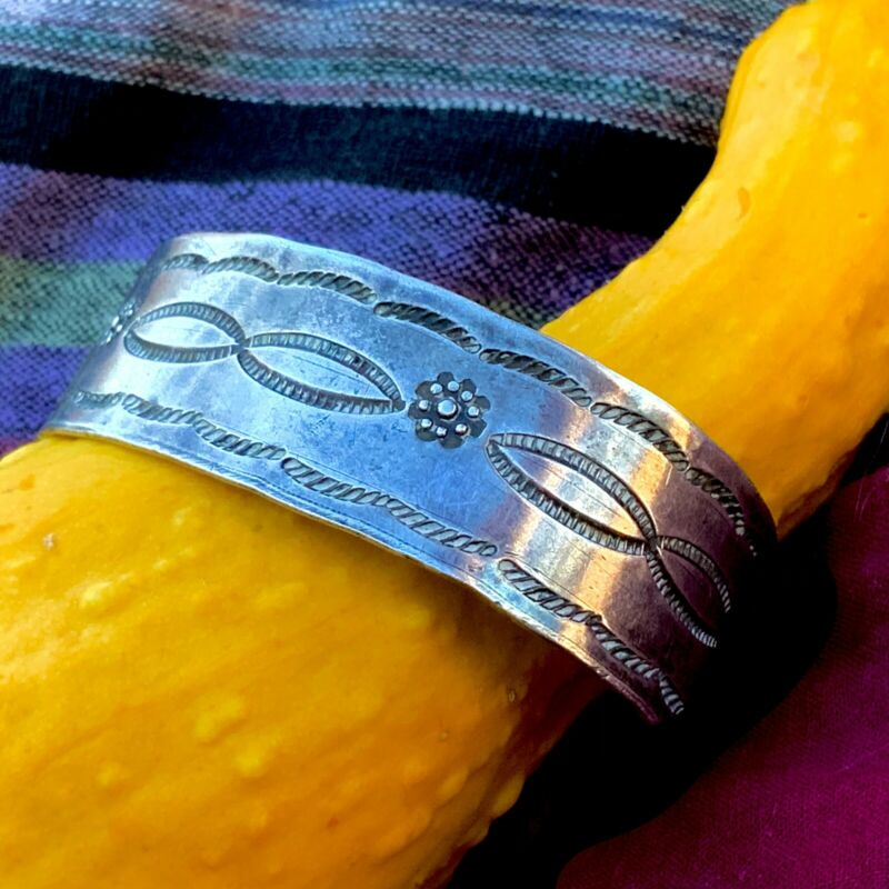 1910s Old Pawn Navajo Silver Ingot Harvey File Stamped Small Size Cuff Bracelet