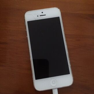 iPhone 5 8GB  Montmorency Banyule Area Preview