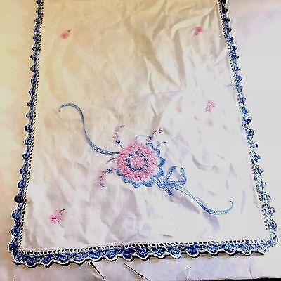 VTG Dresser Scarf Runner Crochet Border Embroidery Nosegay Flower Bouquet (Ribbon Embroidery Runner)